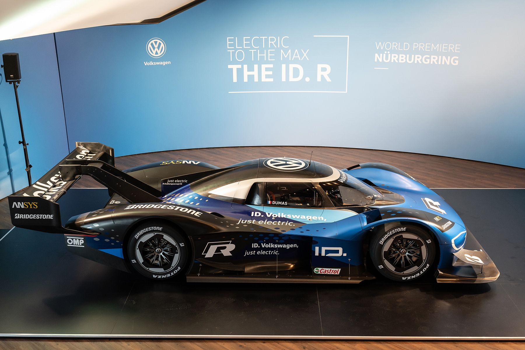 Volkswagen Tests Id R All Electric Race Car At Nurburgring With