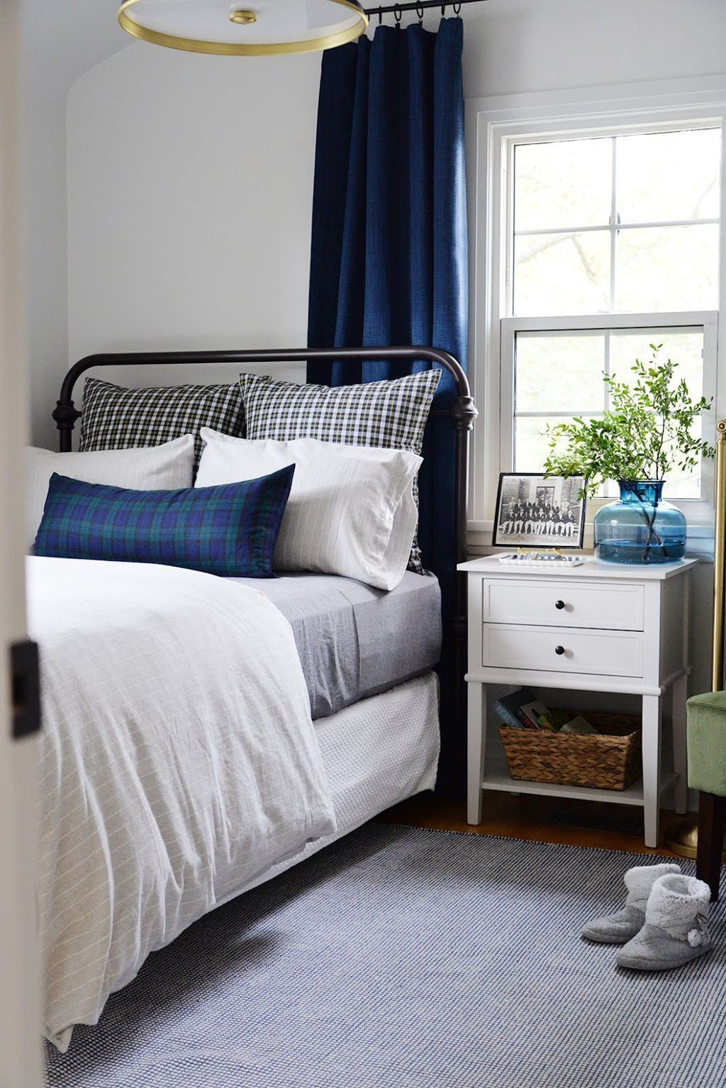 37 Unique Small Guest Bedroom Designs Ideas To Make Them ...