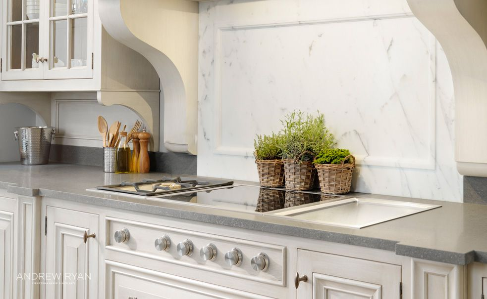 French Villa, a Classic Kitchen by AndrewRyanie Craftsmanship