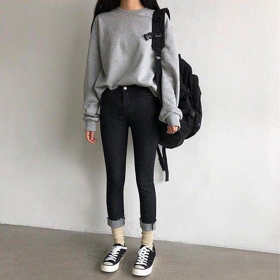 Pin oleh Alan Quintero di •School-Outfits• | Pakaian fashion, Gaya busana,  Gaya model pakaian
