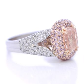 Serious contender for engagement jewelry.  Fancydiamonds.net custom design
