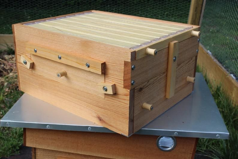 Diy Flow Beehive Box Plans Langstroth 10 Frame Beekeeping Etsy In 2020 Flow Hive Plans Flow Hive Bee Keeping