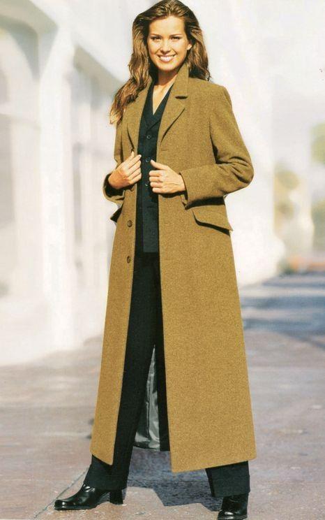 Damenmantel - Langmantel. Finde diesen Pin und vieles mehr auf Wintermäntel  Damen ... 3af21f7e12