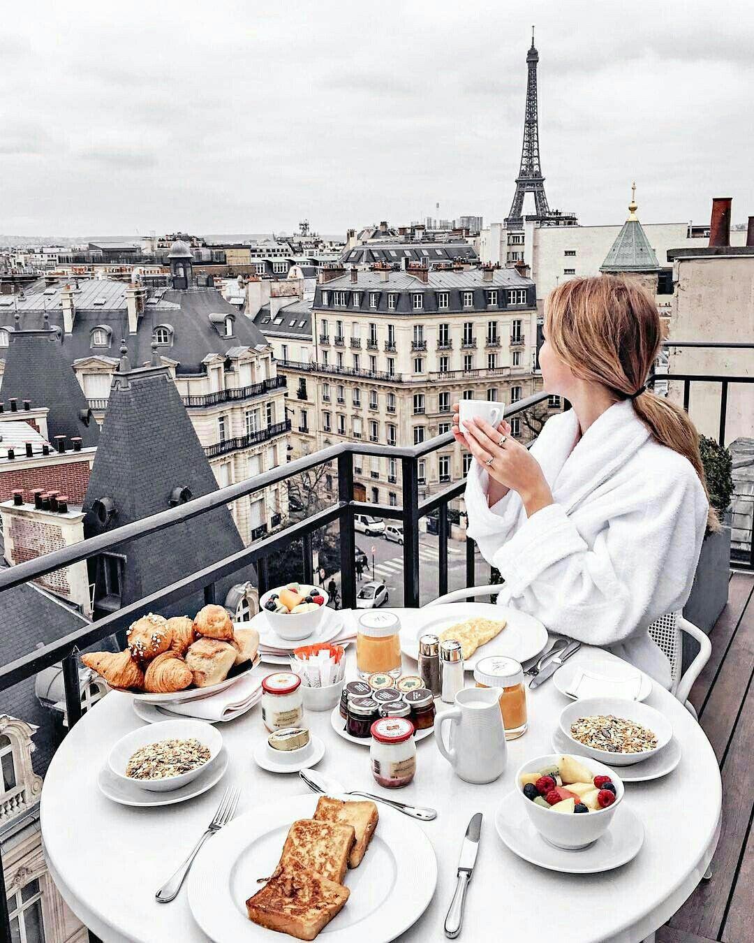 утренний париж фото дворец гатчинской