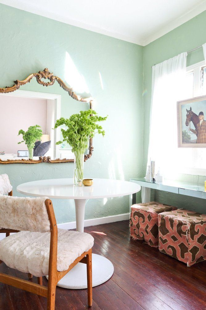 House Tour A Chic 400 Square Foot California Studio Apartment Therapy