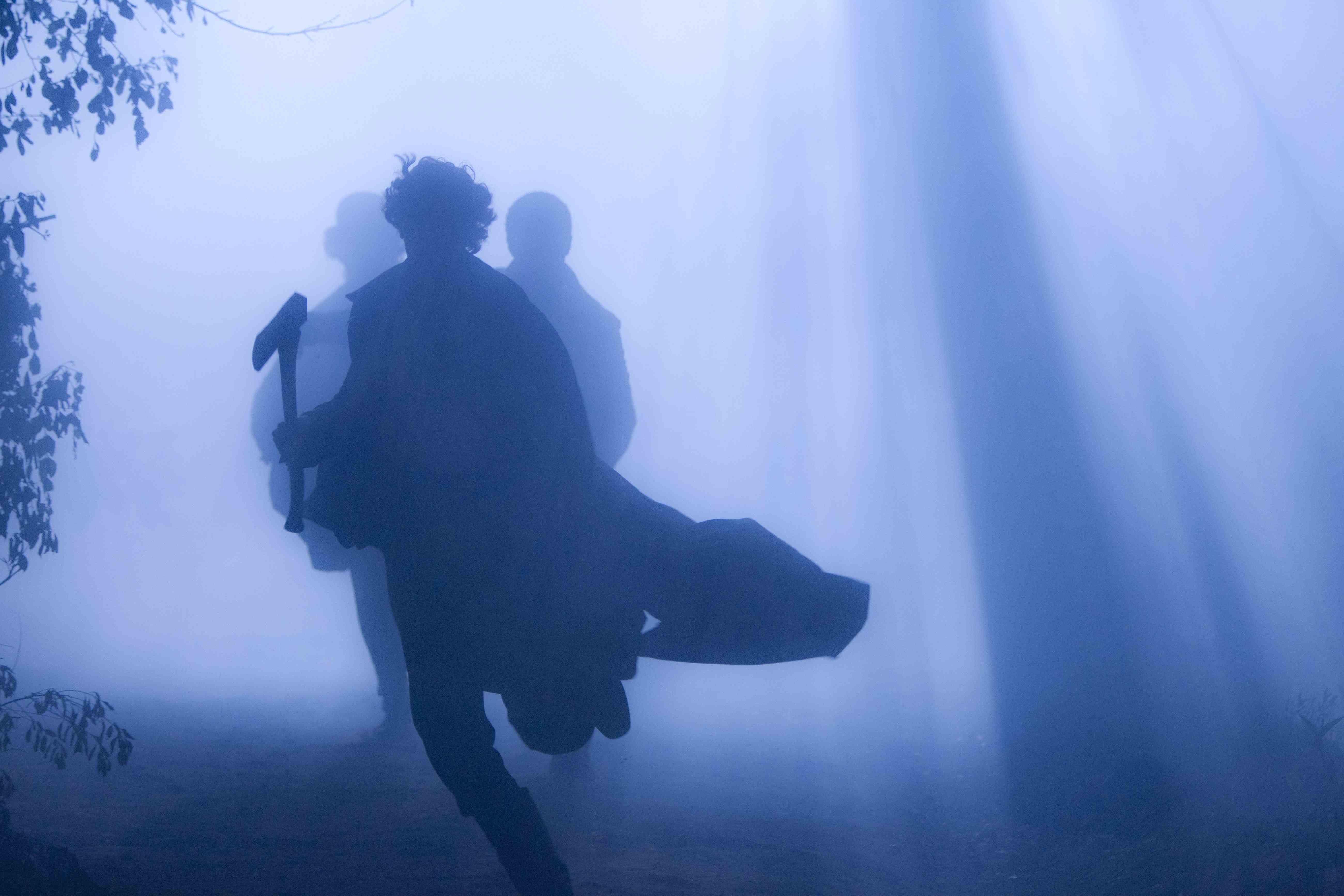 """In questo film i geni visionari Tim Burton e Bekmambetov infondono nuova linfa al filone vampiresco e portano sullo schermo la vita segreta del più famoso ammazzavampiri della storia. Che cosa c'entra Abraham Lincoln con i vampiri?  Scopritelo al cinema perché """"La leggenda del cacciatore di Vampiri"""" uscirà il 20 luglio in 3D"""