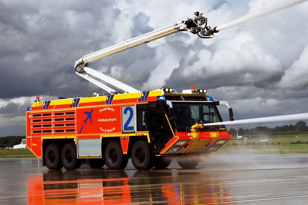 Airport Fire Truck In Action Bing Images Fire Trucks Fire Emt