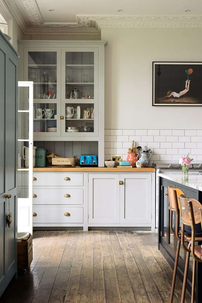 the new look for the kitchen is more classic than ever | küche, Hause deko