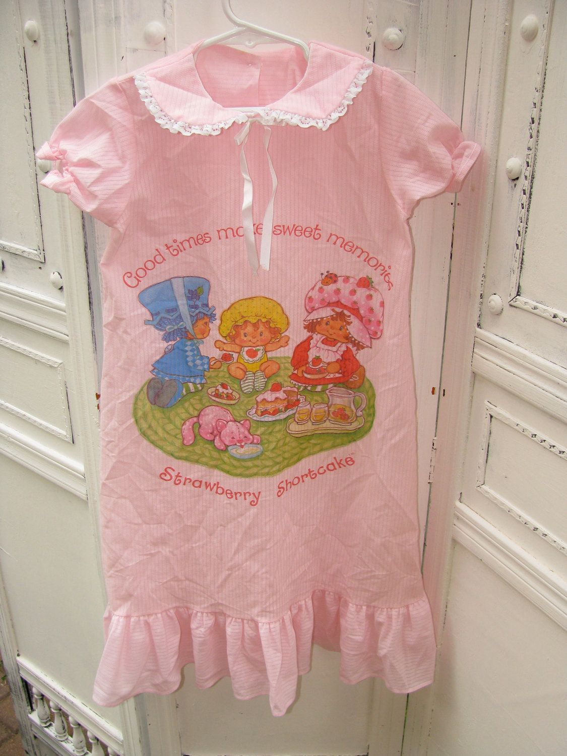 ABClothing Girls Cotton Short Sleeve Nightgown Strawberry /& Watermelon PJS Dress 3-12 Years White Pink