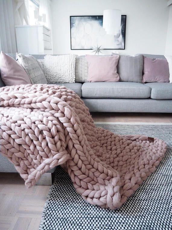 Grobstrick Strick Decke werfen - wickeln, 100 % Merinowolle, extra warme klobige Decke, Arm gestrickte Decke. Wenn die Liebe für natürliche Materialien und Leidenschaft für das Stricken kommen zusammen... Bei Wolle - praktisch und schön zu sehen ist... Dann ist die Wolle Kunst erstellt