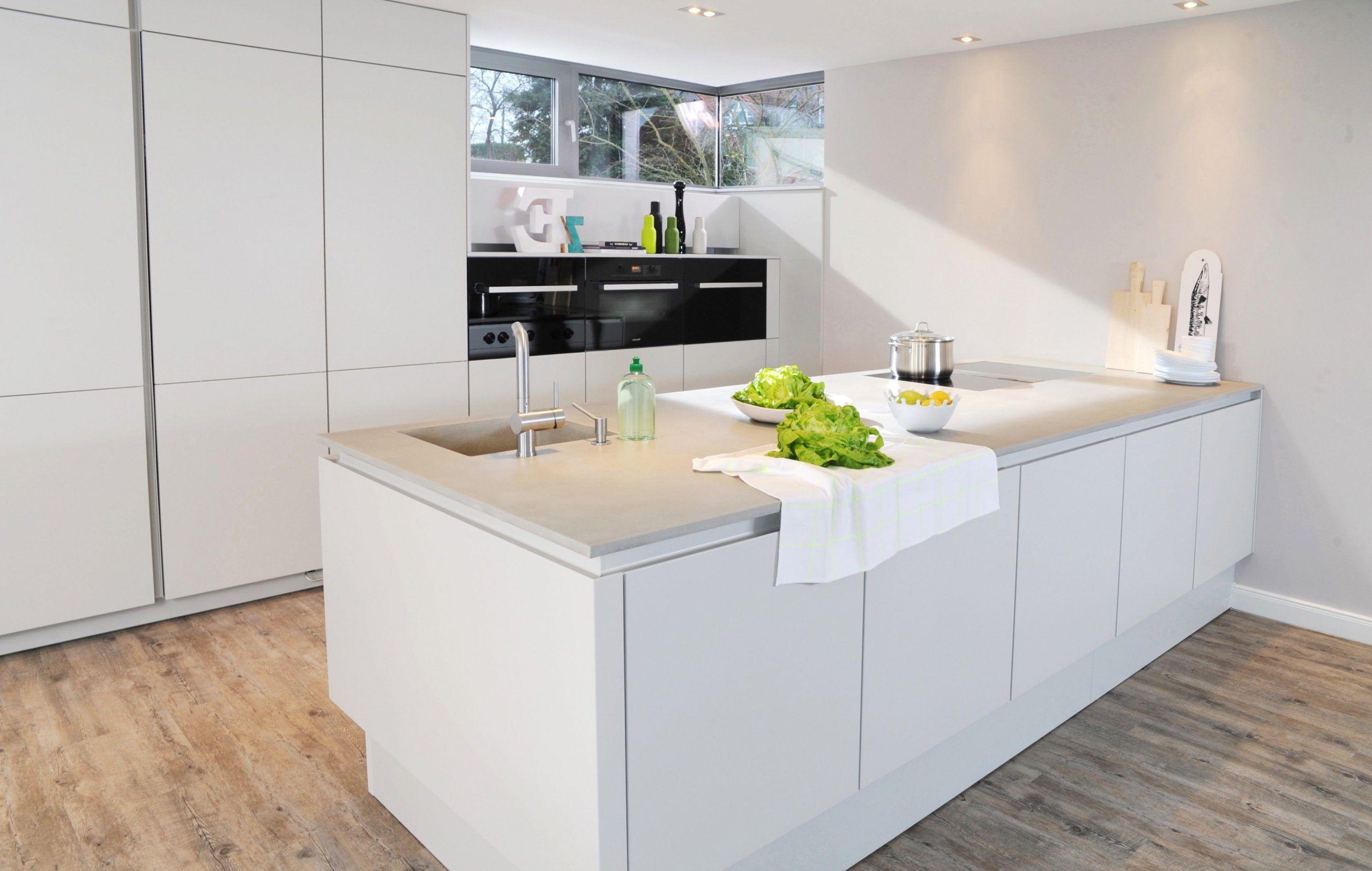 15 Kuche Weiss Hochglanz Arbeitsplatte Grau In 2020 Kuche Kaufen Arbeitsplatte Kuche Kleine Kuche
