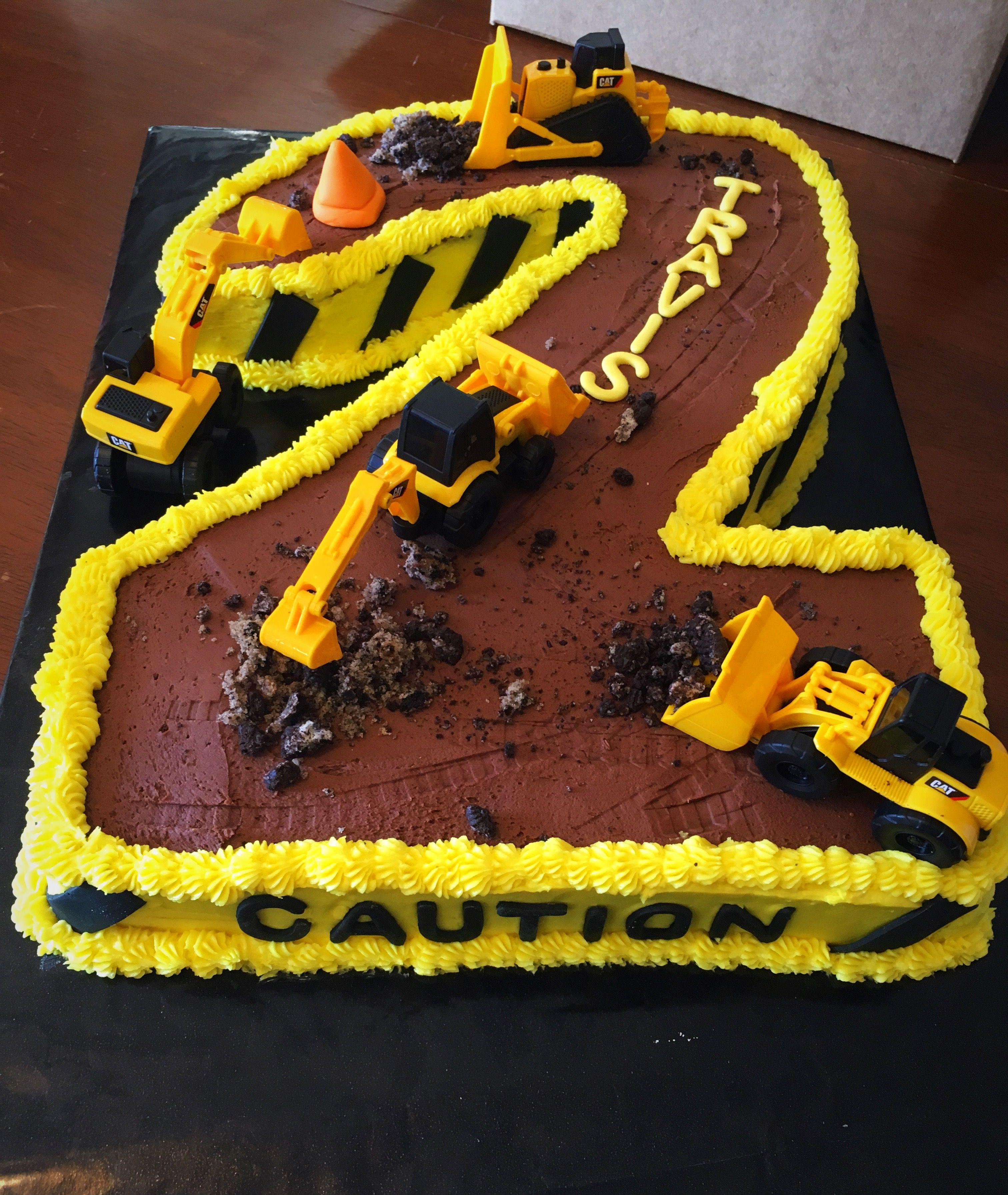 Construction 2 cake cake desserts food