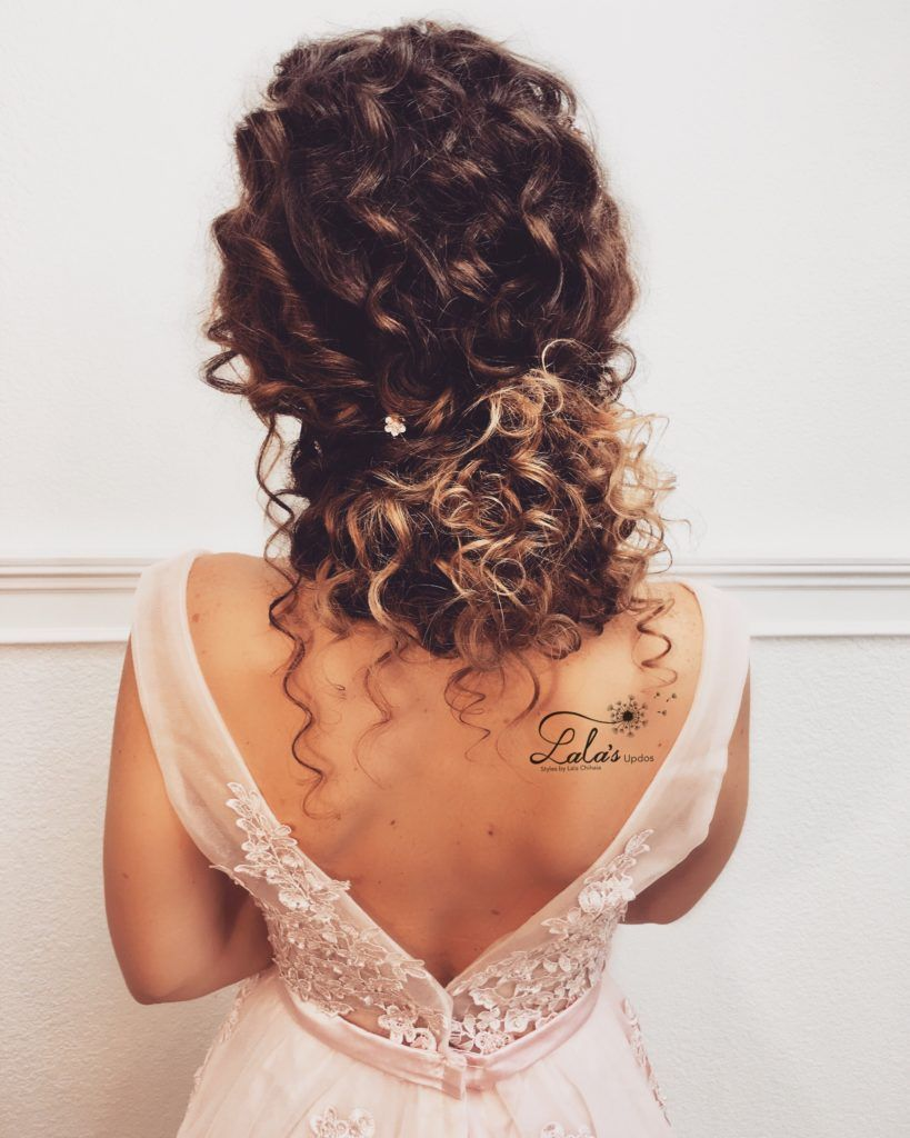 30 Wedding Hairstyles For Naturally Curly Hair With Images