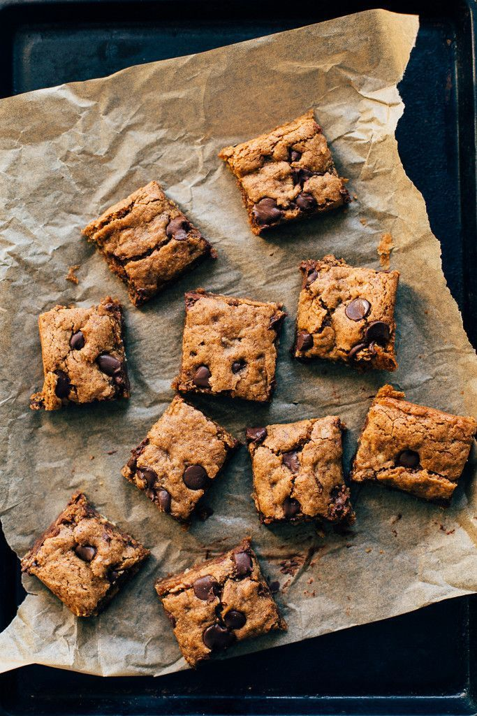 Almond Butter Oatmeal Chocolate Chip Cookie Bars (Vegan, GF)