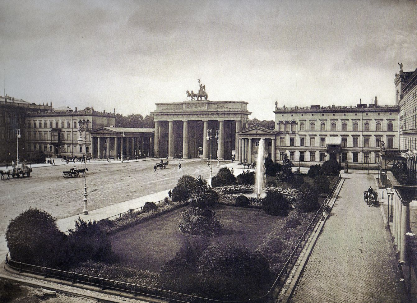 R Prager Berlin Pariser Platz 1894 Brandenburger Tor Berlin Historische Fotos Hauptstadt