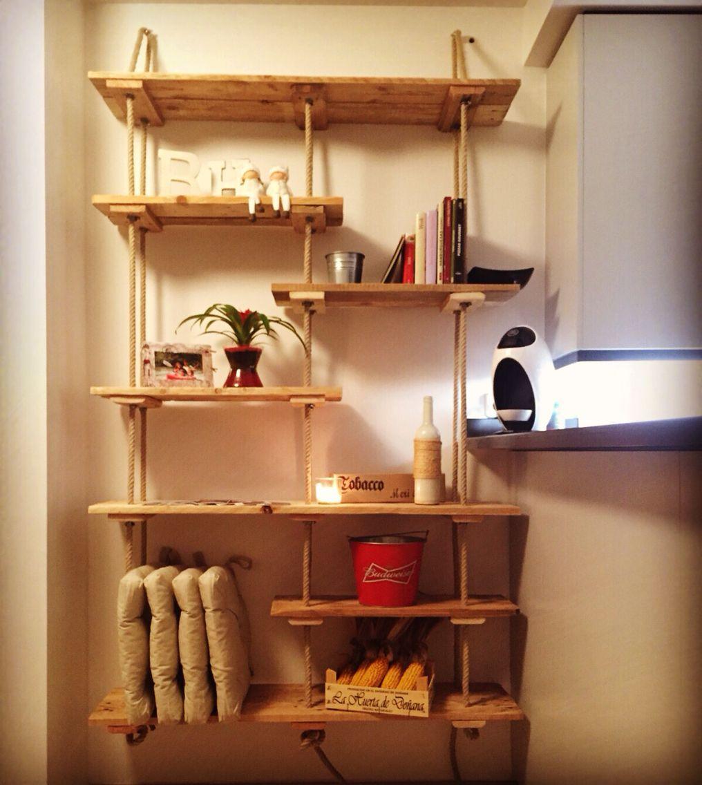 Estanteria hecha con palets y cuerda para mi hogar estanteria palet muebles y palets - Estanterias para palets ...