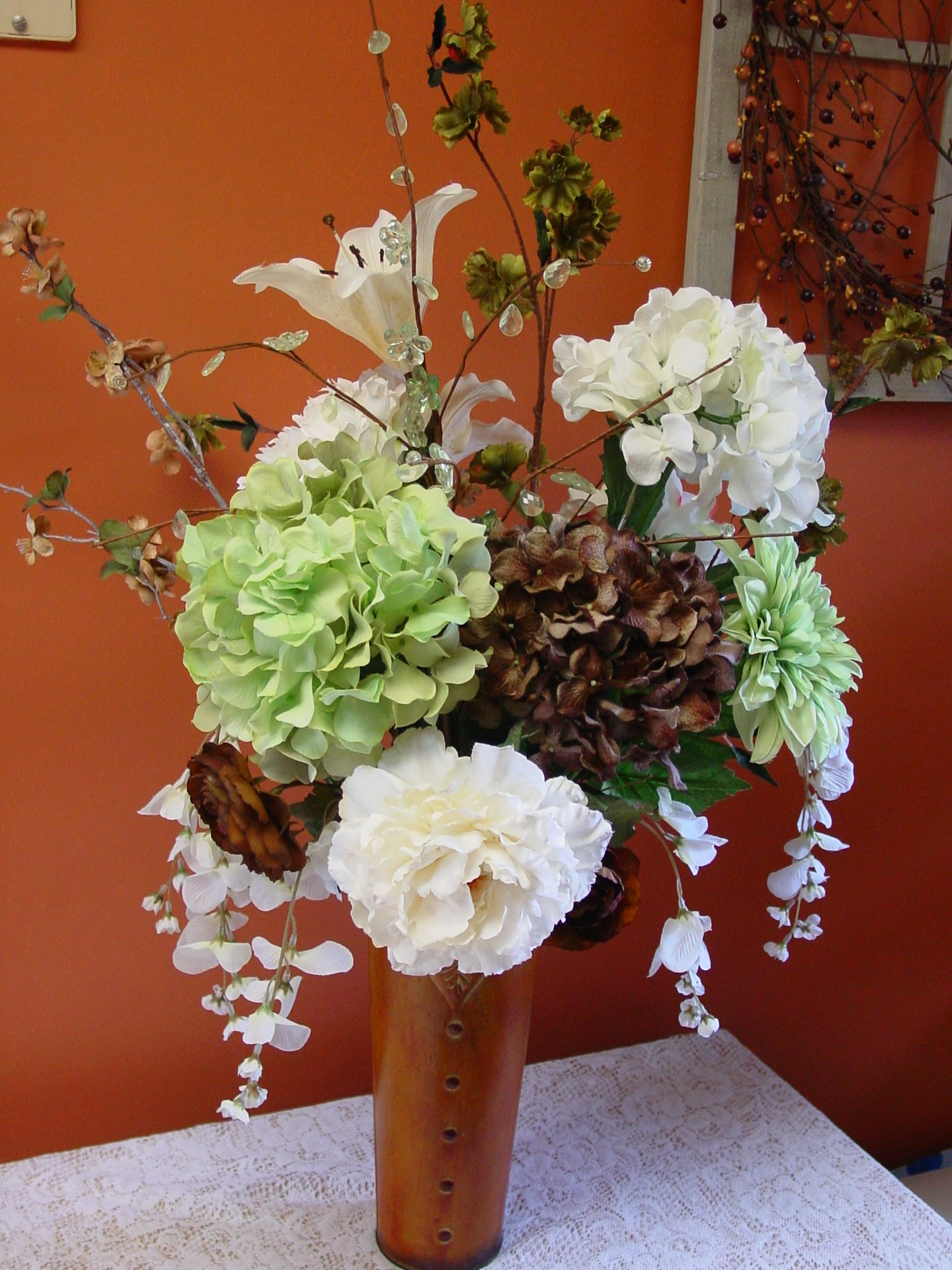 Simple country rustic elegant centerpiece with a couple glass