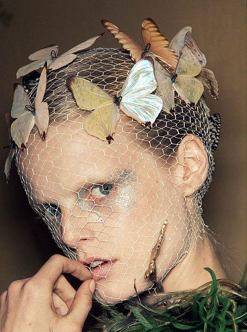 Hanne Gaby Odiele, Backstage Giambattista Valli Haute Couture F/W 2012