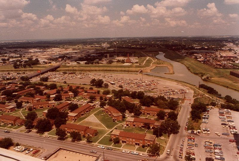 Until I Saw This Pic I Had Not Thought Of The Ripley Arnold Housing Projects Fort Worth In Decades Fort Worth Texas Dallas Fort Worth Paris Skyline
