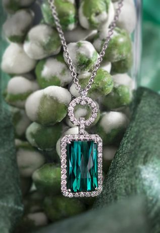Pendant in 18k gold with 7.45 ct. rectangular, checkerboard-cut mint blue-green tourmaline with 0.58 ct. t.w. diamonds