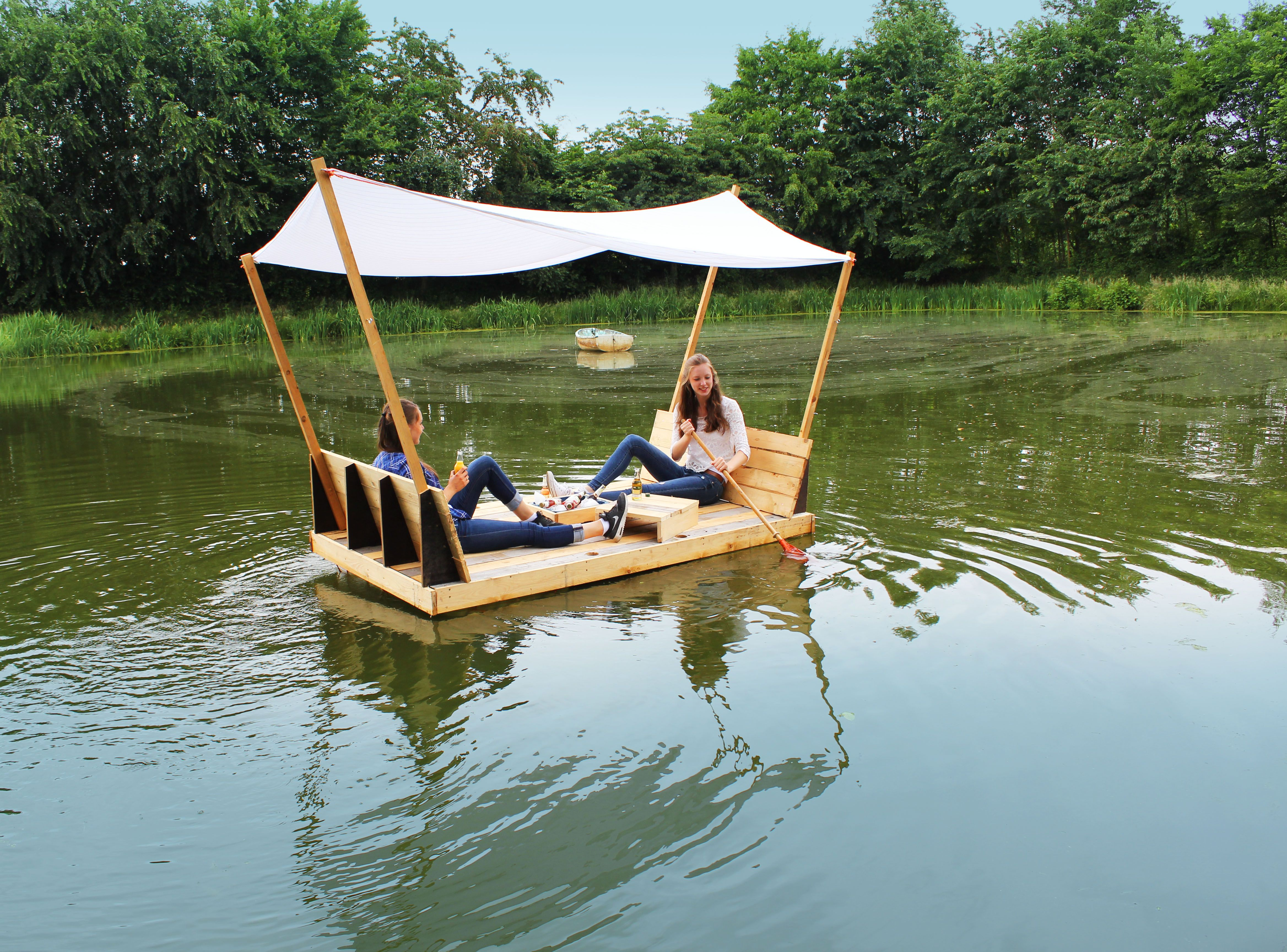 This Is The First Raft I Ever Built I Always Wanted To Create One For My Family And Friends It Is Mainly Made Out Of An Upcycl Outdoor Floating Raft Diy