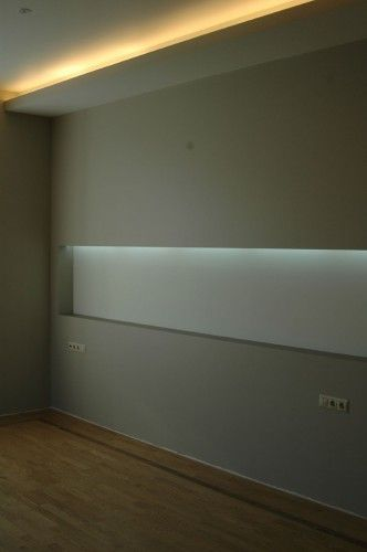 Flush-mount skirting board with LED by Admonter Baseboards - led streifen für badezimmer