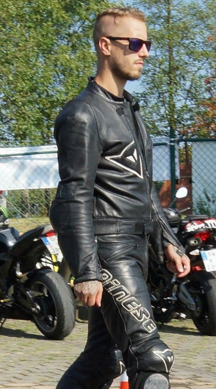 amateur Blonde leather biker