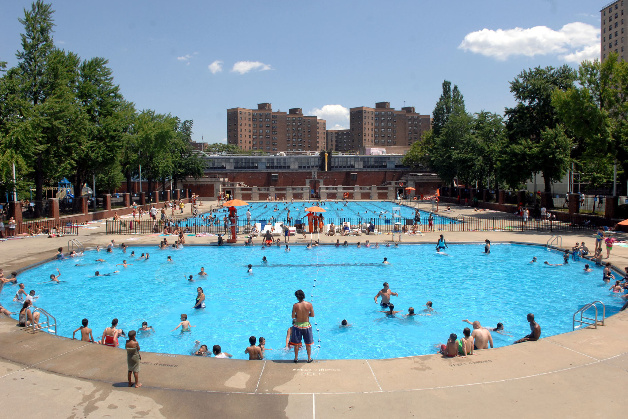 The Best Public Swimming Pools In Nyc Fish Pool Pool Best Swimming