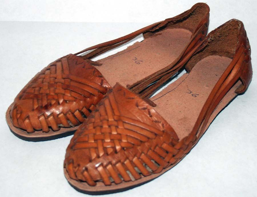 3ef3664a907eb Fabulous  Vintage Leather Woven Handmade  Boho Hipster Hippie Mexican  Huarache  Style Sandals 6 by sweetestvintage on Etsy