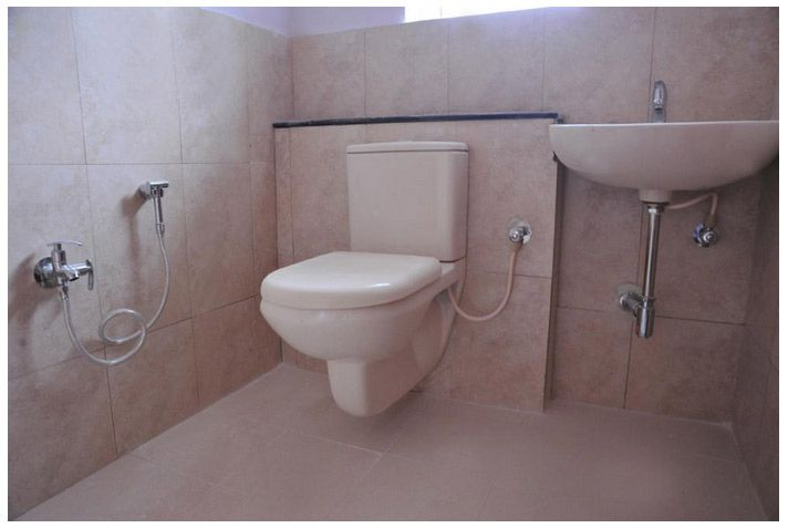 Sanitary Plumbing Fittings Parry Ware Or Hindware E W C And