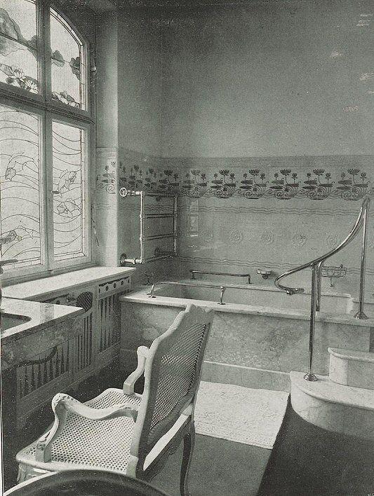 Art nouveau bathroom in a mannheim house 1902 historic bathrooms pinterest salle de for Salle de bain art nouveau
