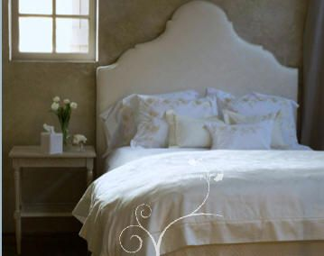 Bedrooms White Headboard Bedding Table Gold Wallpaper Cream Bedroom Elegant Silk Upholstered Bed With Shabby Chic