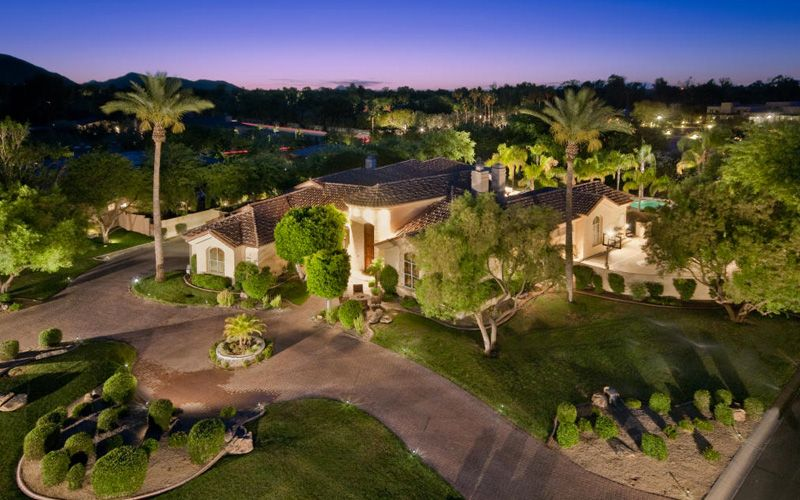 Beautiful Luxury Home Front Yard Landscaping Design Architecture