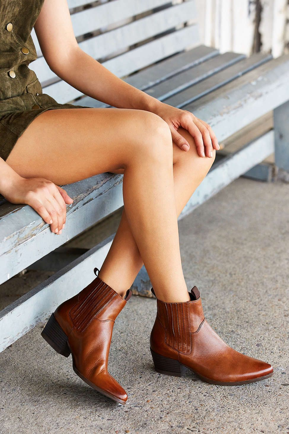 16bd00e177f Vagabond Mandy Western Chelsea Boot - Urban Outfitters | Shoes Shoes ...