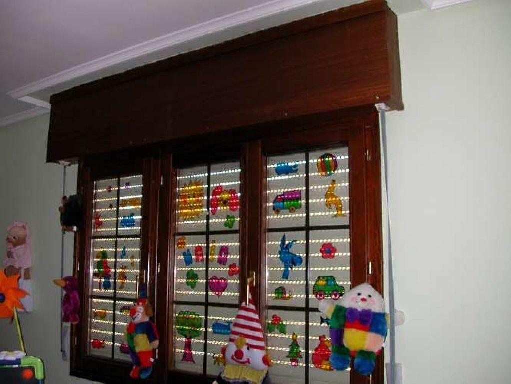 Sos ayuda cortinas en ventana con caja de persiana vista - Ventanas con cortinas ...