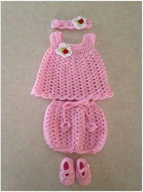 Easy Baby Sun Crochet Dress with Free Pattern #vestidosparabebédeganchillo