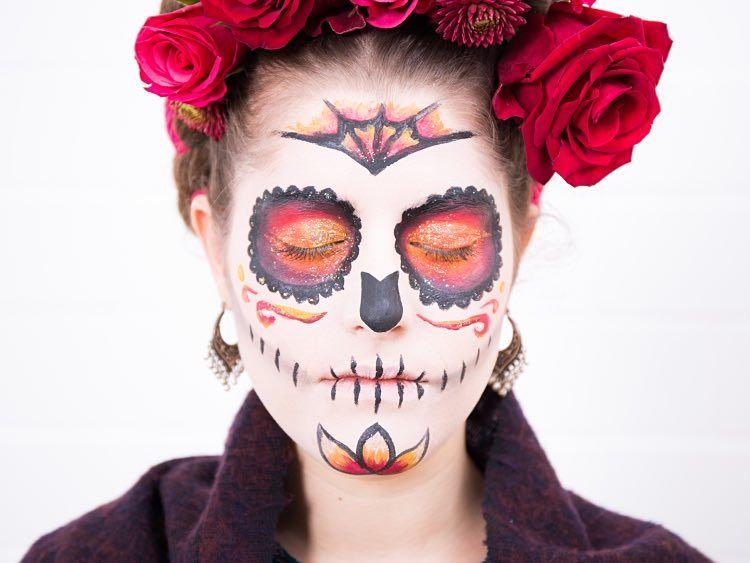 DIY-Anleitung: Calaveras Dia de los Muertos Make-up in Orange und Rot selber machen via DaWanda.com