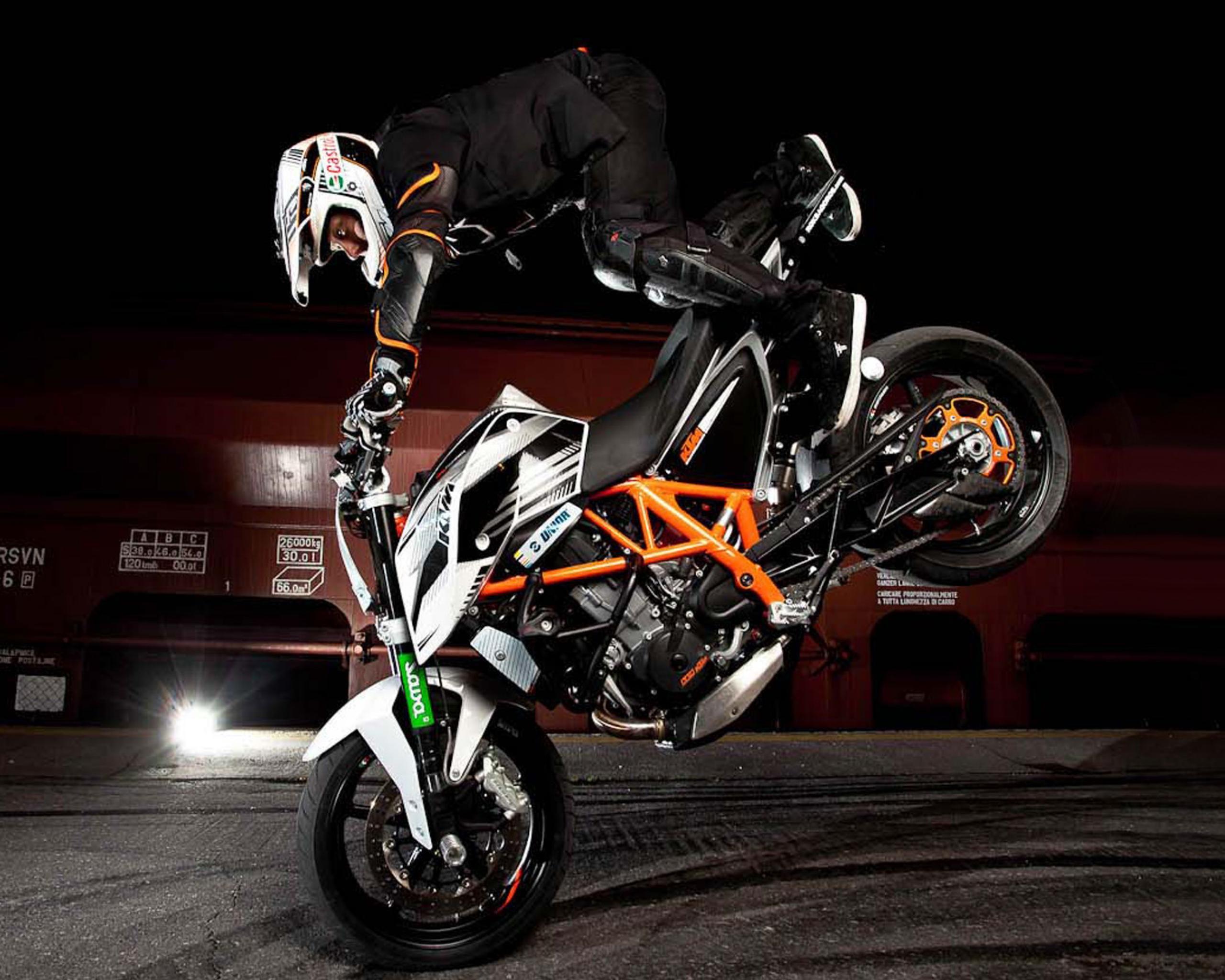 Обои duke, 690, stunt. Мотоциклы foto 6