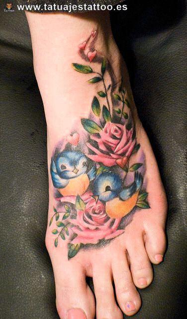fotos de tattoos de mujeres pajaros