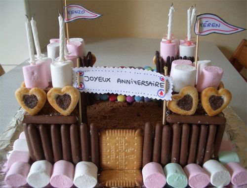 17 best images about gteau danniversaire on pinterest rapunzel armchairs and cakes