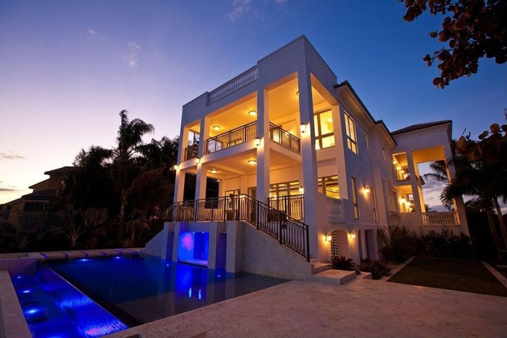 Wow House Lebron James Miami Mansion Up For Grabs Mansions