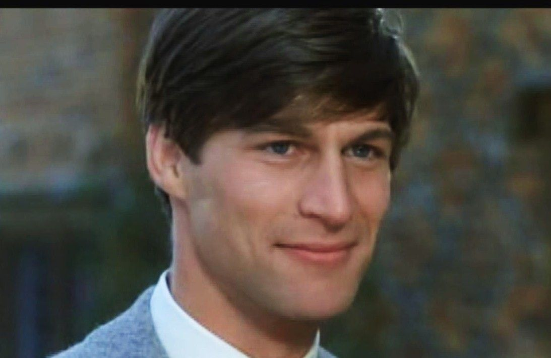 simon maccorkindale find a grave