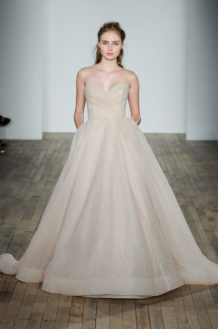 The 9 Fall 2018 Wedding Dress Trends Brides Need to Know | Wedding ...