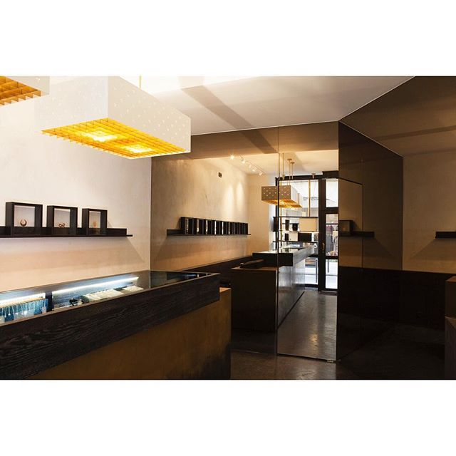 j.a.u.n.eGINETTE NY . Paris VI #jaune #jaunearchitecture #interiordesign #ginetteny #paris #jewellery © Erwan Fichou