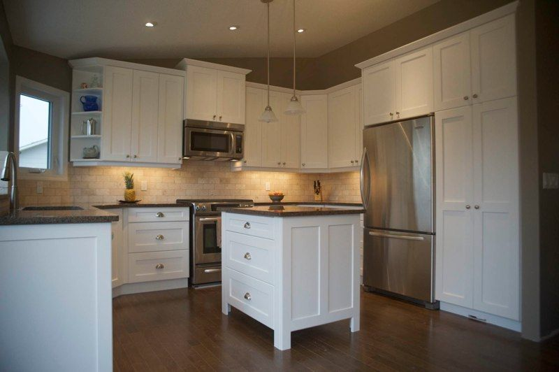 Kitchen Cabinet Calgary In 2020 Quality Kitchen Cabinets Custom Kitchen Cabinets Kitchen