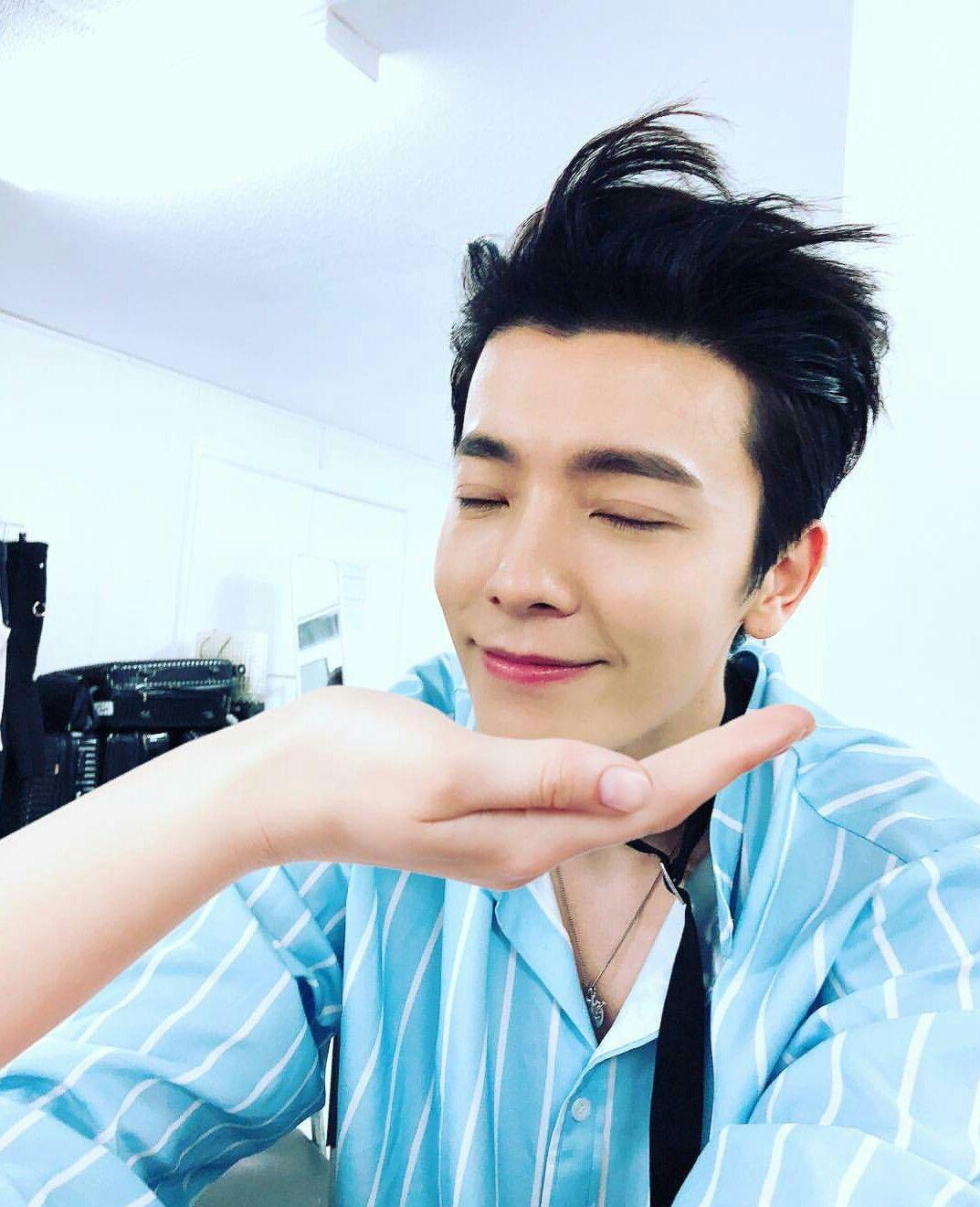 Shindong S Ig Update Shindong Donghae Dh Leedonghae Cute Superjunior ̊ˆí¼ì£¼ë‹ˆì–´ ̝´ë™í•´ ˏ™í•´ Ê·€ì—¬ì›Œ Super Junior Chicos Guapos Donghae