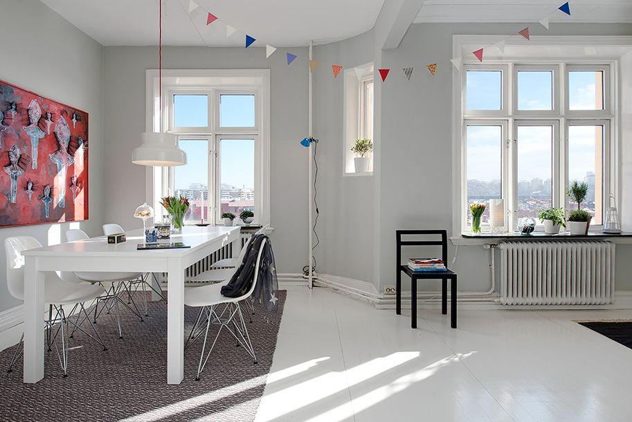 dining//white floors..