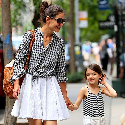 Katie Holmes (with Suri) in a stylish, knotted checkered shirt & white skirt - love this outfit!!