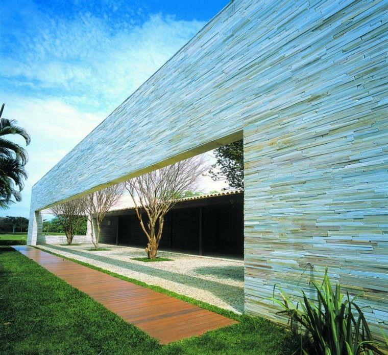 Revestimiento de paredes exteriores 50 ideas - Jardines exteriores de casas modernas ...