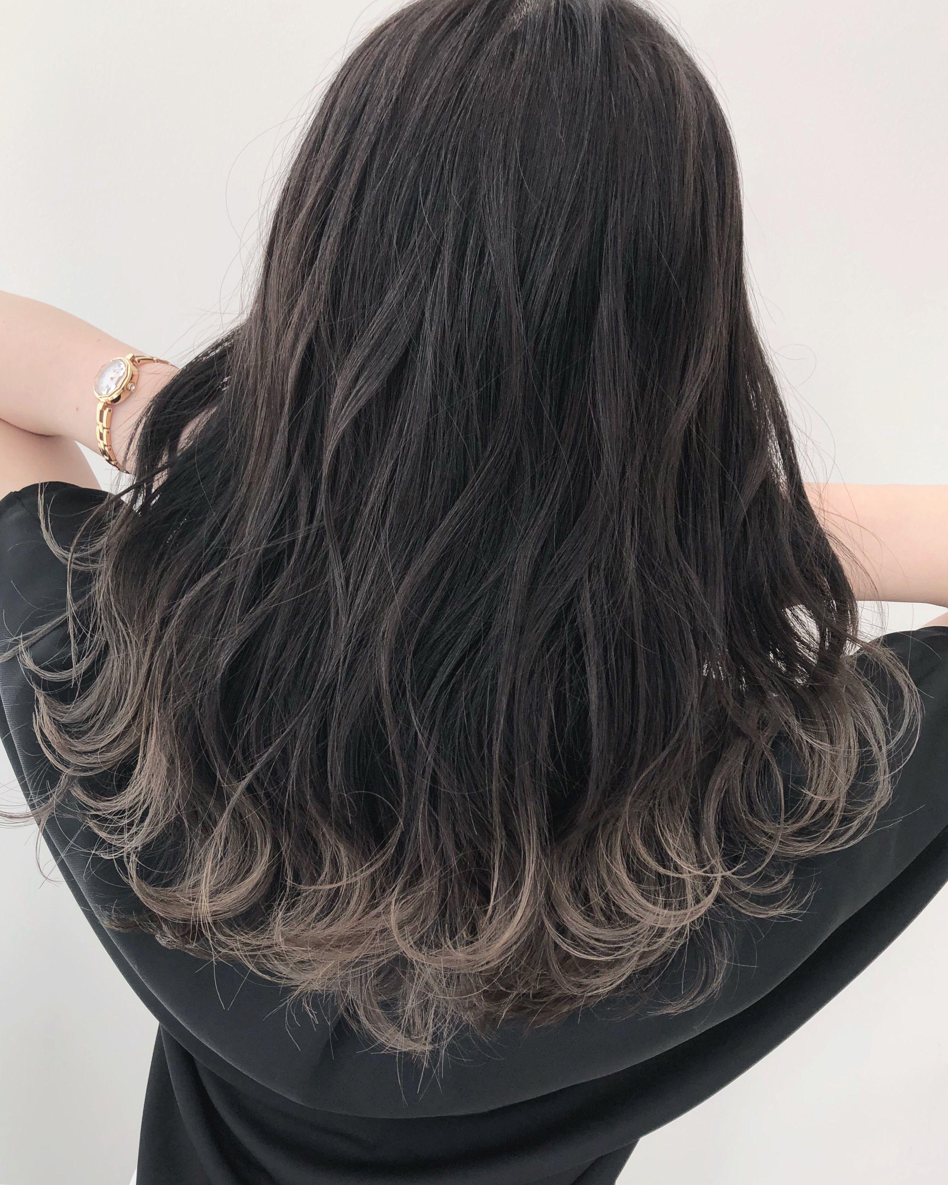 ホワイトグレージュグラデーション 髪色 暗め 髪 グラデーション